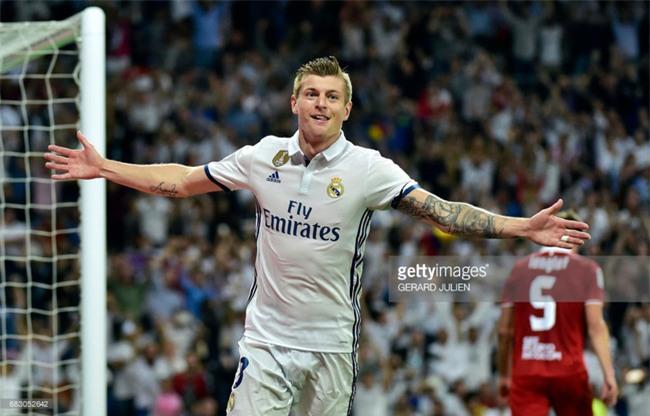 Ronaldo lập kỷ lục ghi 400 bàn cho Real Madrid - Ảnh 9.