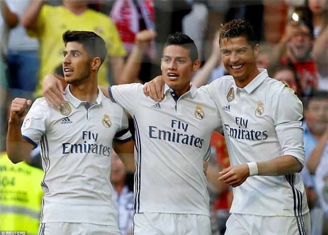 Ronaldo lập kỷ lục ghi 400 bàn cho Real Madrid - Ảnh 10.