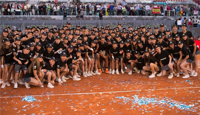 Ro beo va ban gai co vu Nadal vo dich Madrid Open hinh anh 12