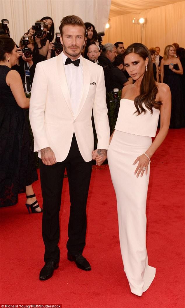 David Beckham chi hàng trăm tỉ mua một hòn đảo tặng bà xã kỷ niệm 20 năm gặp gỡ - Ảnh 1.