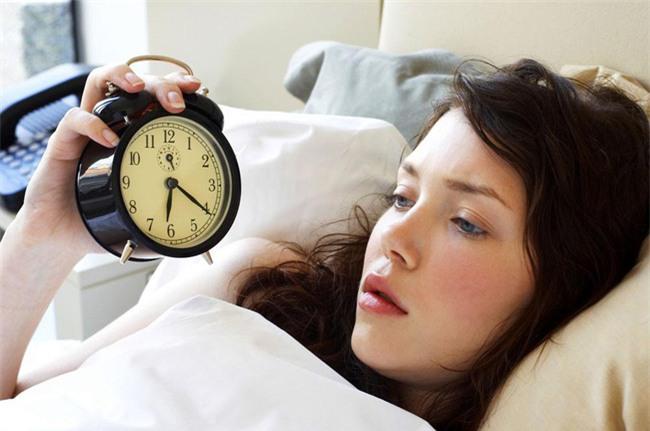 Bạn có biết đây là khung giờ vàng nếu bạn đi ngủ thì sẽ trẻ rất lâu và vô cùng khỏe mạnh - Ảnh 2.