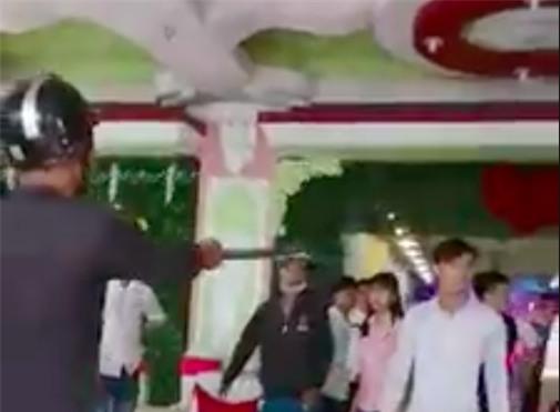 Gia đình chú rể bị nhóm côn đồ đánh nhập viện tại nhà hàng tiệc cưới ở Sài Gòn - Ảnh 1.