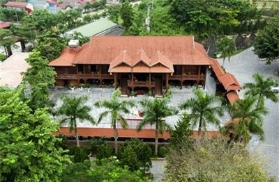 gỗ lim, gỗ quý, nhà gỗ, tòa nhà, lâu đài, biệt thự, đại gia Điện Biên