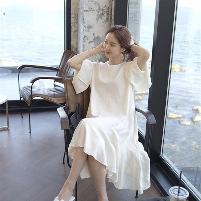 Chẳng ai bảo ai nhưng các quý cô châu Á diện cực nhiều đồ trắng cho street style tuần qua - Ảnh 1.