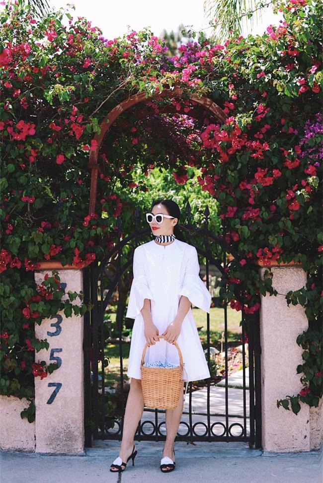 Chẳng ai bảo ai nhưng các quý cô châu Á diện cực nhiều đồ trắng cho street style tuần qua - Ảnh 10.