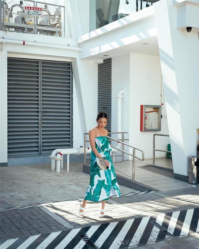 Chẳng ai bảo ai nhưng các quý cô châu Á diện cực nhiều đồ trắng cho street style tuần qua - Ảnh 14.