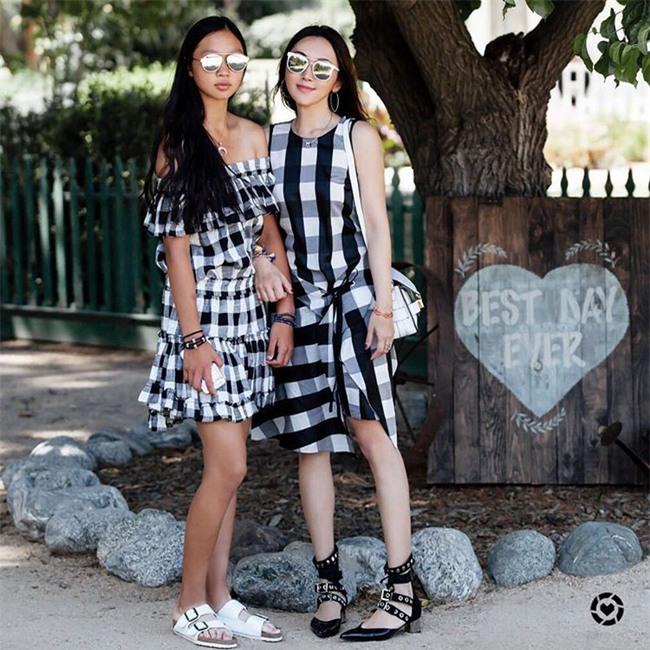 Chẳng ai bảo ai nhưng các quý cô châu Á diện cực nhiều đồ trắng cho street style tuần qua - Ảnh 17.