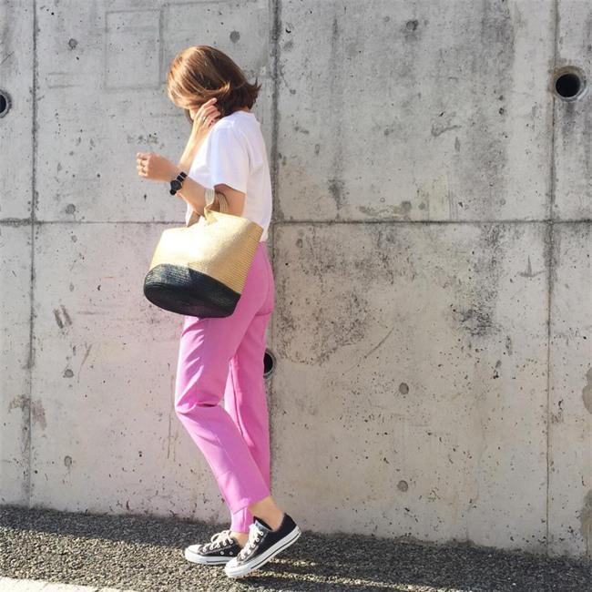 Chẳng ai bảo ai nhưng các quý cô châu Á diện cực nhiều đồ trắng cho street style tuần qua - Ảnh 19.