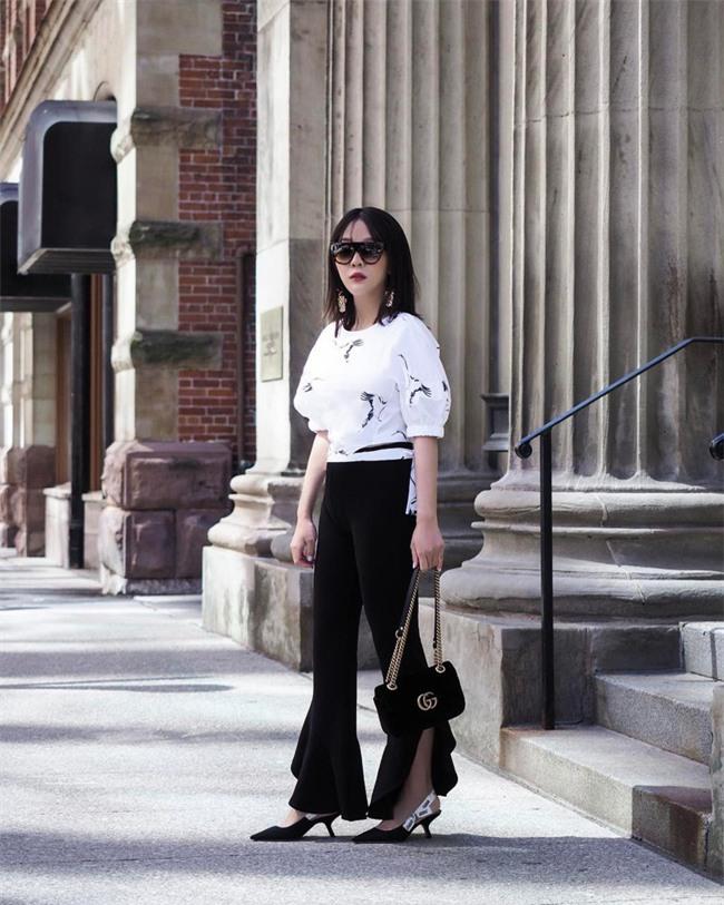 Chẳng ai bảo ai nhưng các quý cô châu Á diện cực nhiều đồ trắng cho street style tuần qua - Ảnh 4.