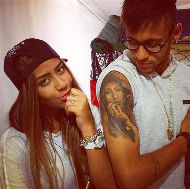 Neymar đã xăm đủ hình thành viên gia đình lên cơ thể - Ảnh 2.