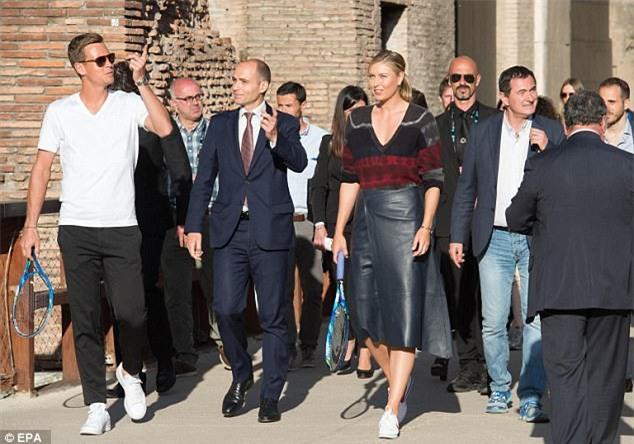 Búp bê Nga Sharapova không được đặc cách dự Pháp Mở rộng - Ảnh 3.