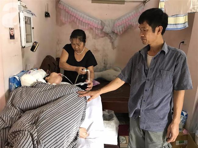 Người phụ nữ sống sót trong vụ nổ ở Văn Phú, Hà Nội: Mong con dâu tỉnh lại để các cháu được gọi Mẹ ơi - Ảnh 4.