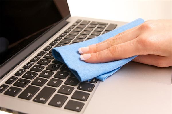 5 bước vệ sinh laptop đơn giản để máy luôn sạch sẽ thơm tho không tì vết - Ảnh 5.
