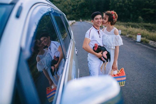 Người thứ ba trong ảnh cưới của cặp đôi Phú Yên khiến dân mạng bấm like nhiệt tình - Ảnh 3.