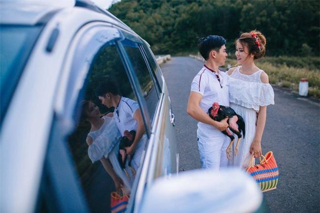 Người thứ ba trong ảnh cưới của cặp đôi Phú Yên khiến dân mạng bấm like nhiệt tình - Ảnh 7.