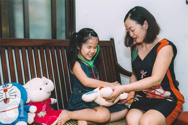 Mẹ bé khiếm thị gây sốt Vietnam Idol Kids: Tôi đã khóc rất nhiều khi con mình chẳng nhìn thấy gì cả! - Ảnh 4.