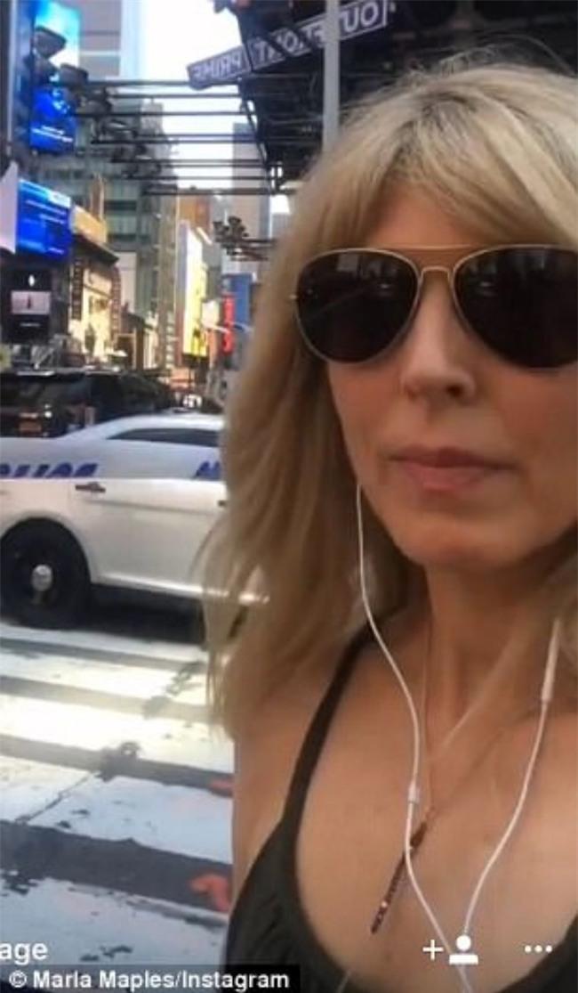 Vợ cũ Tổng thống Trump thản nhiên selfie ngay tại hiện trường vụ xe điên đâm người ở Quảng trường Thời Đại - Ảnh 4.