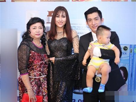 Gia đình viên mãn của Phi Thanh Vân trước ly hôn