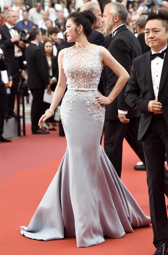 Lý Nhã Kỳ diện cây hàng hiệu hơn 4 tỷ lộng lẫy trên thảm đỏ LHP Cannes ngày 2 - Ảnh 4.