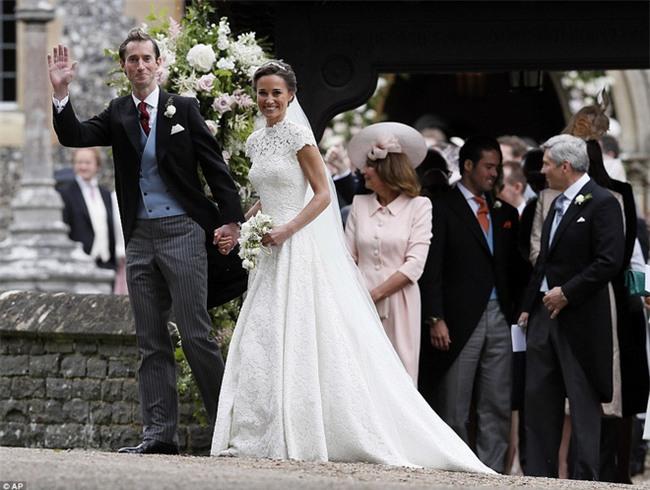 Hoàng tử nhí George và em gái cực đáng yêu trong vai trò phù dâu cho dì Pippa Middleton - Ảnh 8.