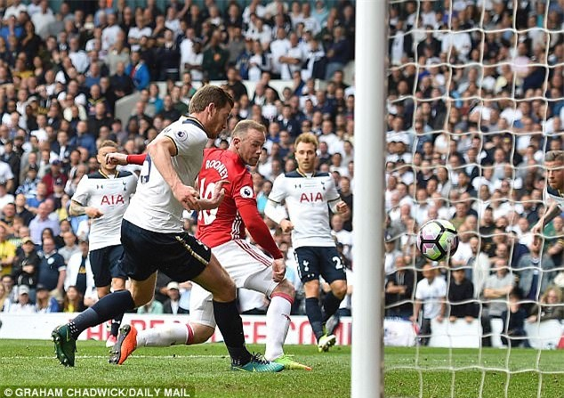Ngay cả khi thất vọng, Rooney cũng giấu nỗi buồn vào tim - Ảnh 2.