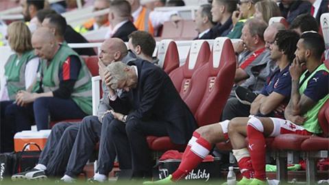 HLV Arsenal lần đầu tiên cùng Arsenal phải xuống Europa League thi đấu