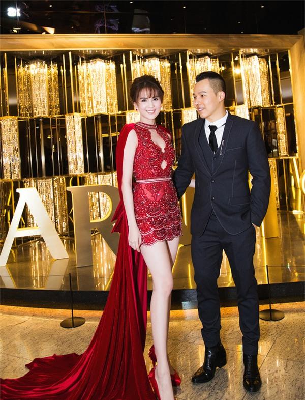 Váy của NTK Việt được các người đẹp mặc trên thảm đỏ quốc tế làm nức lòng khán giả quê nhà - Ảnh 14.