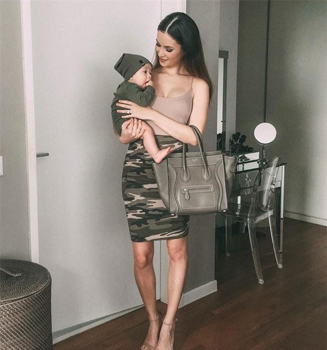 Bà mẹ bỉm sữa Singapore gây sốt mạng xã hội Việt với vẻ đẹp quá gợi cảm, về dáng chỉ 3 tuần sau khi sinh đôi - Ảnh 16.