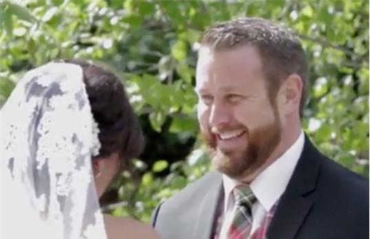 chú rể tát cô dâu, tát cô dâu, đám cưới hài hước, tai nạn đám cưới