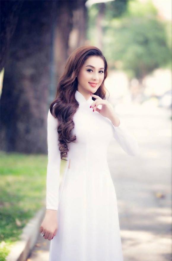 Lâm Chi Khanh, Lâm Chi Khanh ao dài, ca sĩ chuyển giới Lâm Chi Khanh