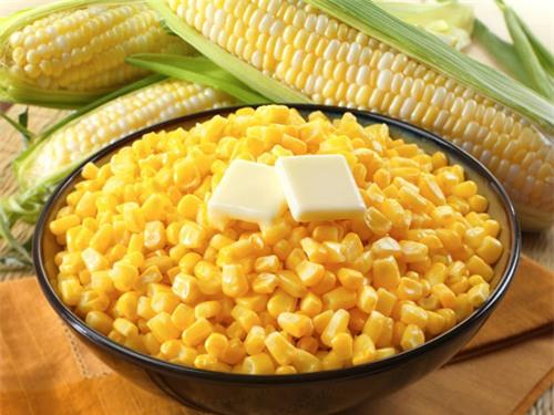 Ngô ngọt là một trong những thực phẩm đơn giản mà sạch, mát vào mùa hè.