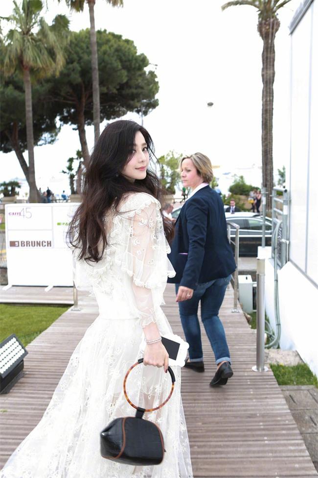 Đẳng cấp nhan sắc của Phạm Băng Băng tại Cannes: Chẳng cần lồng lộn vẫn đẹp hết nấc! - Ảnh 2.