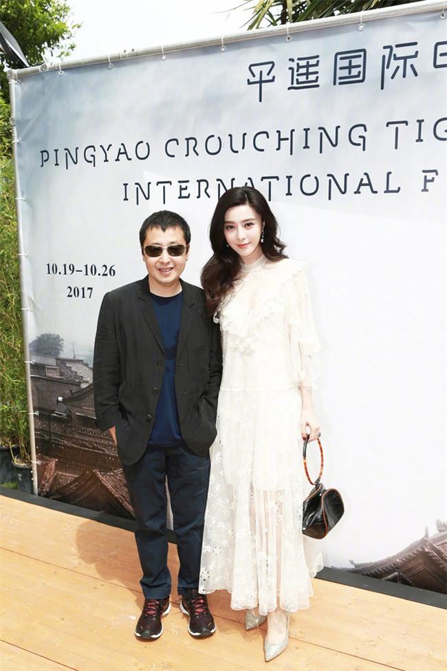Đẳng cấp nhan sắc của Phạm Băng Băng tại Cannes: Chẳng cần lồng lộn vẫn đẹp hết nấc! - Ảnh 4.