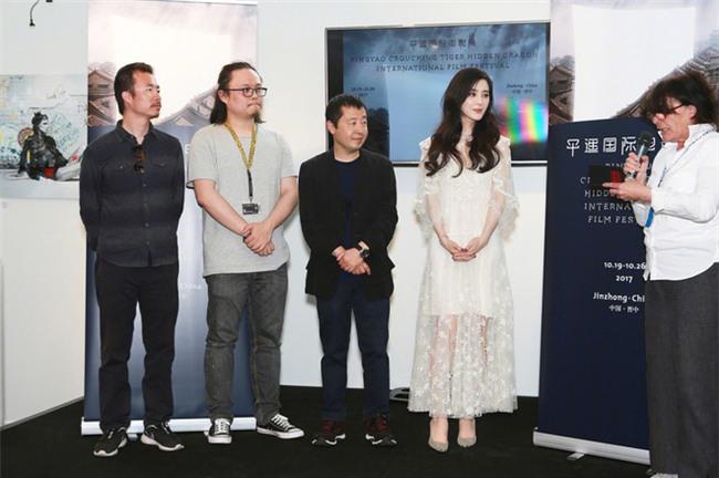 Đẳng cấp nhan sắc của Phạm Băng Băng tại Cannes: Chẳng cần lồng lộn vẫn đẹp hết nấc! - Ảnh 5.