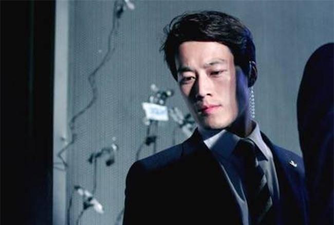 Vệ sĩ điển trai như tài tử của Tổng thống Hàn Quốc từ chức vì không muốn cướp ống kính của thân chủ - Ảnh 6.
