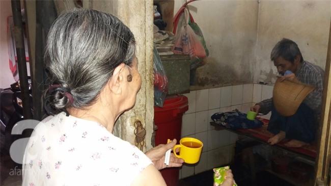 Hà Nội: Giữa thủ đô có một cụ bà 84 tuổi nuôi 2 con tâm thần bằng đồng lương hưu - Ảnh 2.