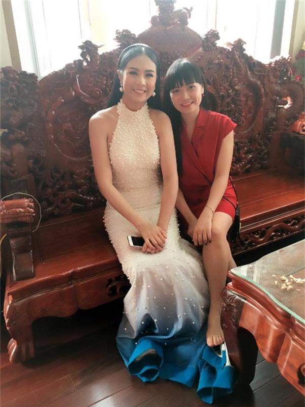 Hoa hậu Ngọc Hân xuất hiện tại nơi tổ chức lễ cưới. - Tin sao Viet - Tin tuc sao Viet - Scandal sao Viet - Tin tuc cua Sao - Tin cua Sao