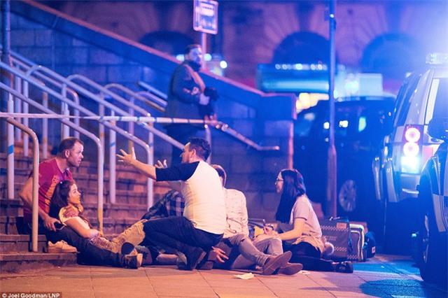 Ít nhất 22 người thiệt mạng và 59 người bị thương trong vụ nổ tại Anh. Hiện chưa có thông tin công dân Việt Nam là nạn nhân trong vụ nổ này (ảnh: Dailymail)