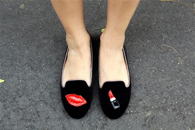 Thật khó tin nhưng năm nay, phải đi giày cọc cạch mới đúng mốt! - Ảnh 9.