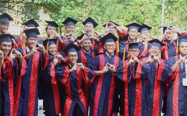 học sinh, bế giảng, Trường THPT Nguyễn Thị Minh Khai, Tri ân và trưởng thành