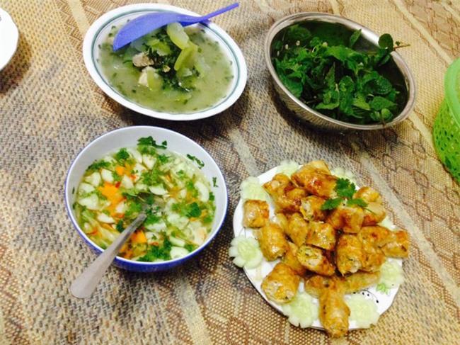 Sống ở Hà Nội, cặp vợ chồng trẻ mách nước chỉ tốn 15k/bữa cơm - Ảnh 2.