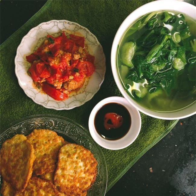 Sống ở Hà Nội, cặp vợ chồng trẻ mách nước chỉ tốn 15k/bữa cơm - Ảnh 8.