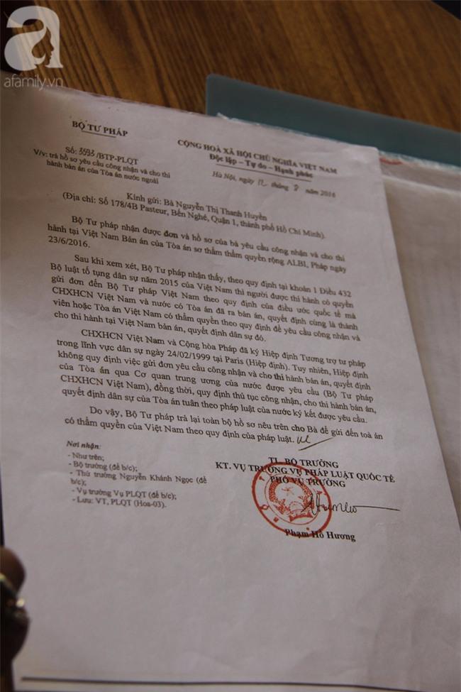 Vụ người mẹ sang Pháp đòi quyền nuôi con: Tôi chỉ mong được nuôi con theo tòa án đã phán xử - Ảnh 3.