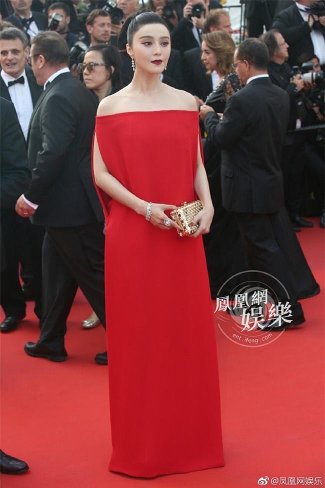 Phạm Băng Băng khiến fan hết hồn vì thời trang xuống dốc không phanh tại Cannes 2017 - Ảnh 2.