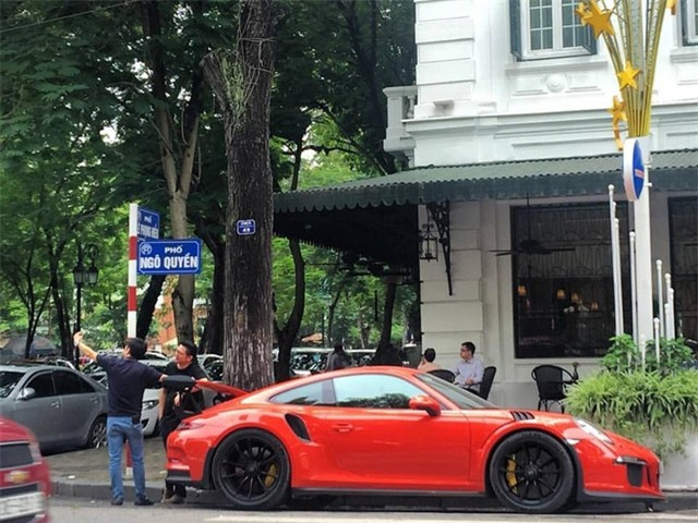 Cường Đô-la cầm lái siêu xe Porsche 911 GT3 RS Coupe độc nhất Việt Nam - Ảnh 2.