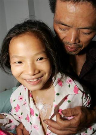 """Cô bé 8 tuổi mắc bệnh ung thư và câu nói khiến người khác đau lòng: """"Con đã từng đến và con rất ngoan"""" - Ảnh 10."""