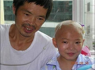 """Cô bé 8 tuổi mắc bệnh ung thư và câu nói khiến người khác đau lòng: """"Con đã từng đến và con rất ngoan"""" - Ảnh 13."""