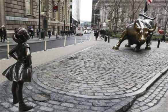 Câu chuyện ít biết về hai bức tượng đồng nổi tiếng đặt gần phố Wall - Ảnh 5.