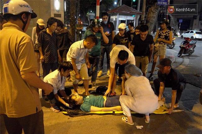Hà Nội: Xe cấp cứu húc văng cô gái trẻ 30m rồi bỏ chạy - Ảnh 2.