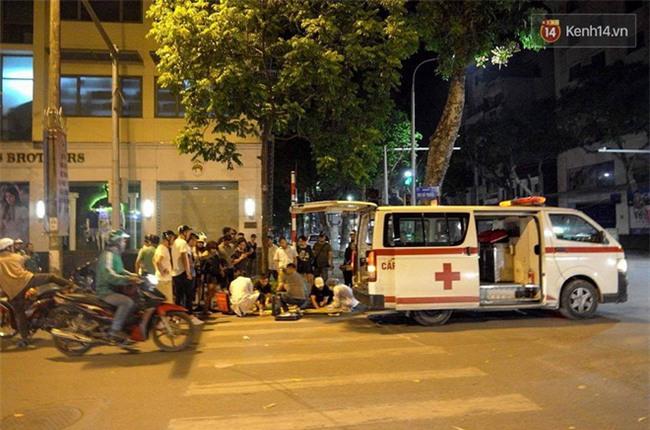 Hà Nội: Xe cấp cứu húc văng cô gái trẻ 30m rồi bỏ chạy - Ảnh 3.